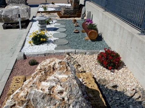 giardini con ghiaia ciottoli giardini di primavera da costruire a cuneo