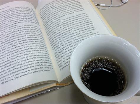 libro dans le cafe de la gente feliz lee y toma caf 233 el 250 ltimo best seller que llega de francia libr 243 patas