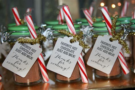 Chocolate Giveaways Ideas - diy peppermint hot chocolate party favors how sweet this is