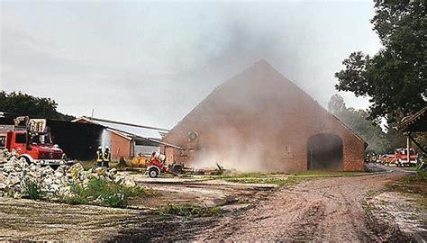 Scheune Varel by 220 Bung Feuerwehrkameraden Trainieren Auf Dem Klosterhof
