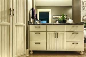 Kitchen Cabinet Feet Kitchen Cabinets With Feet Images