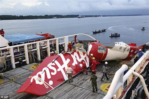 airasia member airasia qz8501 black box found but is buried under