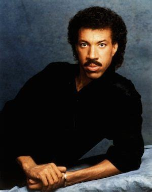 Kaos Lionel Richie Hello 05 a rich vein of form for lionel richie udiscover