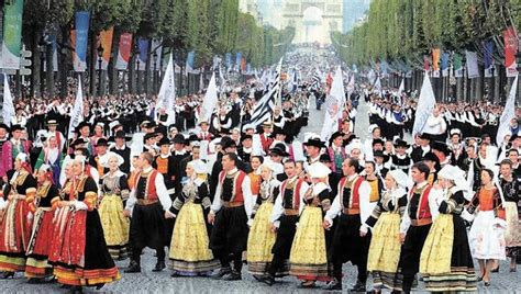 french culture popular traditions and customs