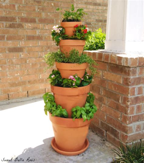 Planter Tower by How To Make Tower Herb Planter Diy Crafts Handimania