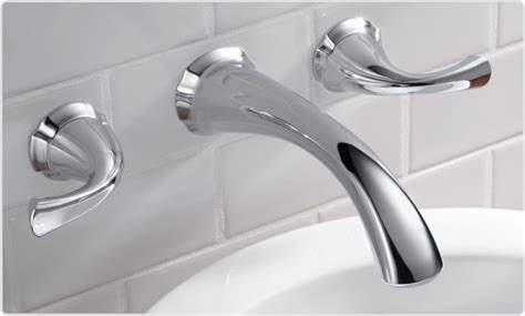 water coming out of bathtub faucet and shower head best kitchen faucets unbiased reviews guide 2018 faucet mag