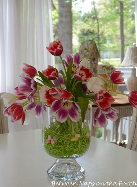 21 Lovely Diy Centerpieces That Will Bring Color To Your Easter Arrangements Centerpieces
