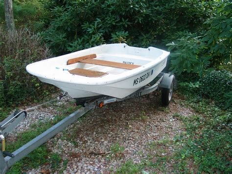 boston whaler boats for sale craigslist 9ft boston whaler 1500 or b o the hull truth