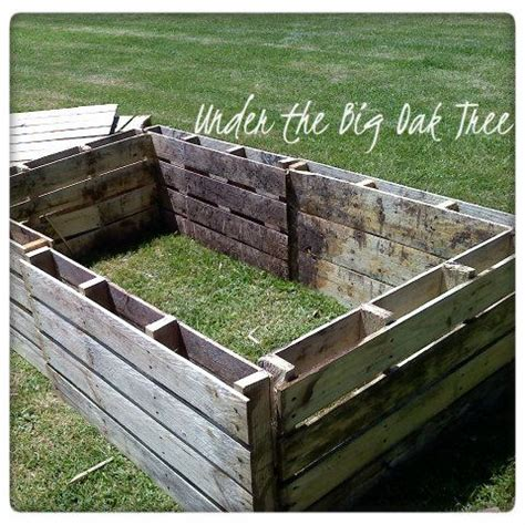 pallet garden bed recycled pallets garden beds and pallets on pinterest