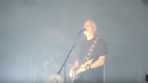 david gilmour comfortably numb david gilmour playing comfortably numb and then purple