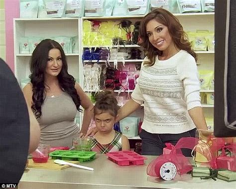 baby s coming out of sophia s butt youtube farrah abraham bans daughter sophia from watching nicki