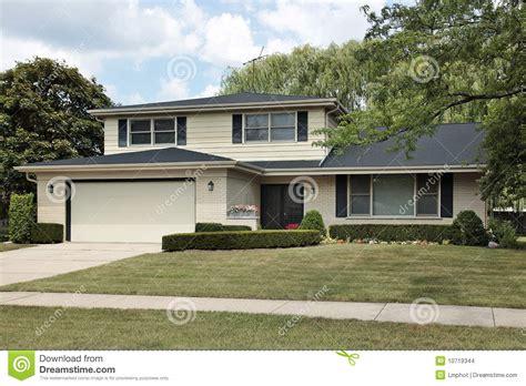 split houses split level suburban home stock images image 10719344