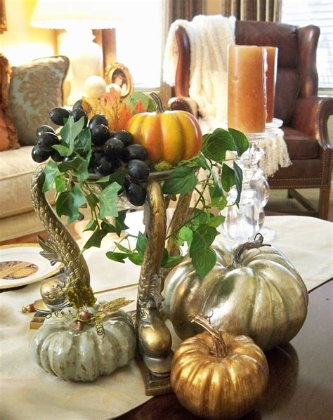 43 fall coffee table d 233 cor ideas digsdigs - Fall Coffee Table Decorations