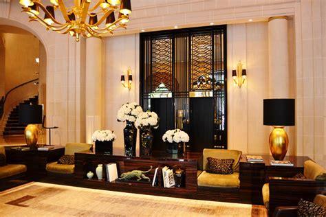 Bien Architecte D Interieur Celebre #4: Prince-de-Galles-Paris-lobby.jpg