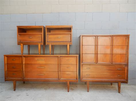 mid century bedroom set dresser high boy  night stands rusty gold design