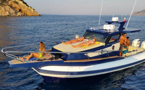 gommoni cabinati miura gommoni cabinati su misura e cantiere navale