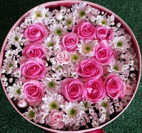 Bunga Artificial Mawar Sutera flower box bunga mawar dengan angka atau huruf di toko