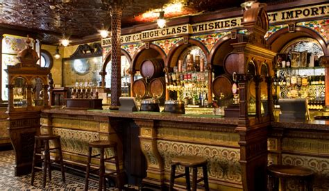 Top 10 Bars In Newcastle Crown Liquor Saloon Belfast Grafschaft Antrim Ireland Com