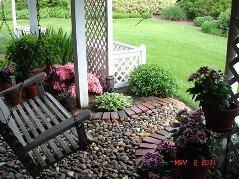 swing under deck lisa earthgirl gardening tips and helpful advice