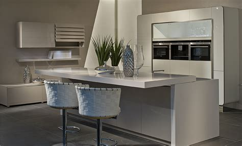 White Kitchen Granite Ideas Breakfast Bars And Seating Area Ideas For Your Kitchen