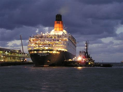 titanic boat hotel liverpool parking the cunard liner rms queen elizabeth 2 qe2 great stern