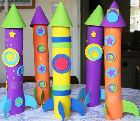 How To Make A Rocket Ship With Paper - easy to make rocket ships rocket crafts