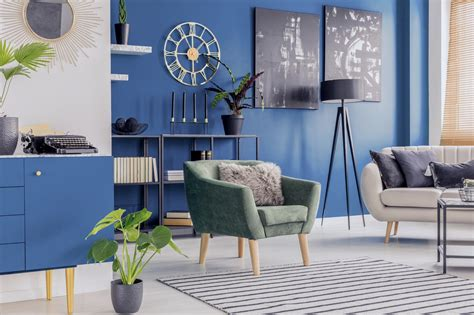 inspirasi ruang tamu nuansa biru minimalis fungsional