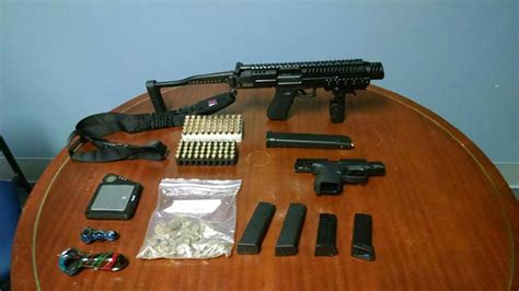 Local Warrant Search Search Warrant Leads To Weapons Arrest In Delaware 6abc