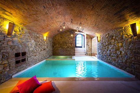 baroque style italian villa  umbria  indoor vaulted