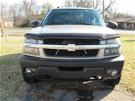 sell used wow 2005 chevy avalanche 2500 lt 4x4 3 4 ton with 8 1 v8 a show dog 78k miles in