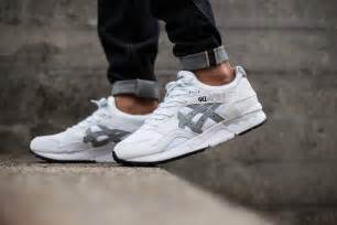 asics gel lyte v white light grey where to buy