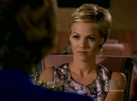 kelly 90210 hairstyles kelly taylor short hair hair pinterest short hair
