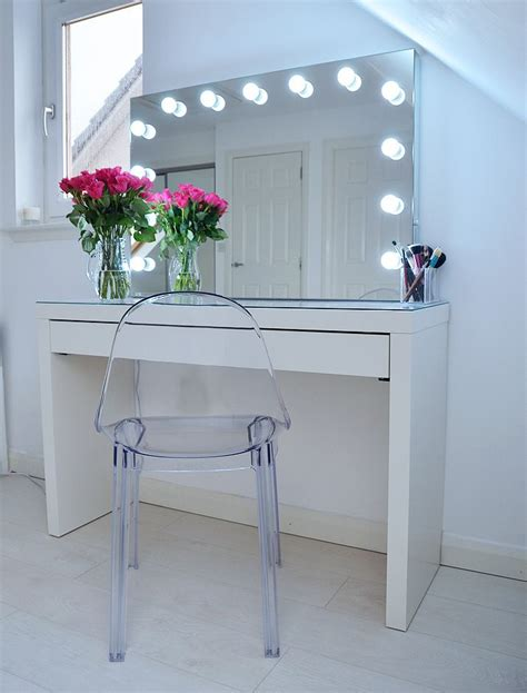 Makeup Vanity Table Ikea 25 Best Ideas About Ikea Vanity Table On Pinterest Makeup Vanity Tables Dressing Table