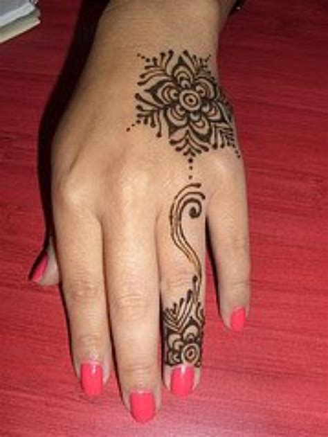henna tattoo small on hand henna khaleeji tattoos
