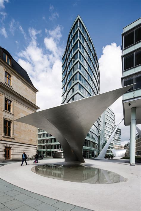 urban sculpture  schneiderschumacher  frankfurt