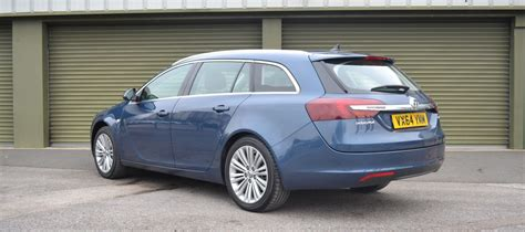 vauxhall insignia estate vauxhall insignia estate 5 reasons it makes sense carwow
