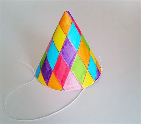 Bricolage Anniversaire : Fabriquer un chapeau de fête