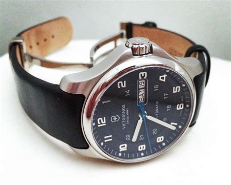 Watch Winner Review: Swiss Army Officer's Day/Date
