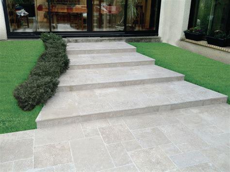 terrasse 60x60 dallage calcaire travertin moka light creastone 4 formats
