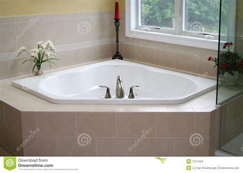 moderne badewanne moderne badewanne badezimmer kreativ gestalten
