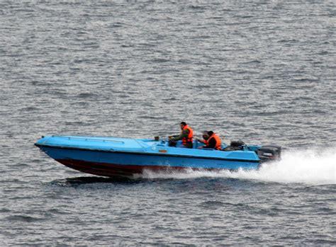 speed boat images file iran speed boat jan 6 2008 jpg wikipedia