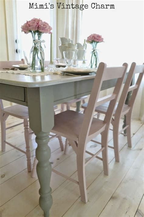 painted kitchen table and chairs best 25 painted kitchen tables ideas on chalk