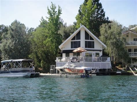 Tulloch Lake Cabin Rentals waterfront lake house on water lake tulloch