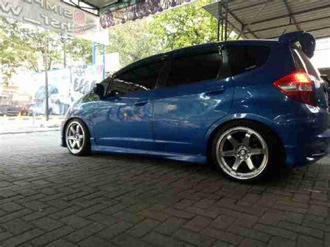 Lu Variasi Mobil Jazz Variasi Mobil Honda Jazz Modif Velg Mobil Te37rt Ring 17