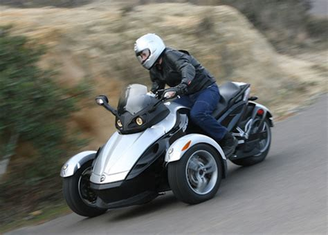 bike meets car in three wheeled can am spyder wired