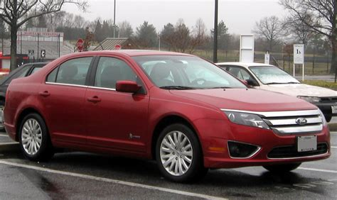 how does cars work 2012 ford fusion parking system file 2010 2012 ford fusion hybrid 02 11 2012 jpg wikimedia commons