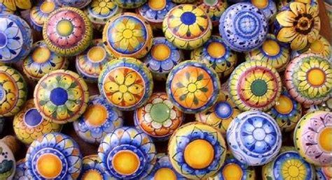 vasi vietresi ceramica vietrese materiali