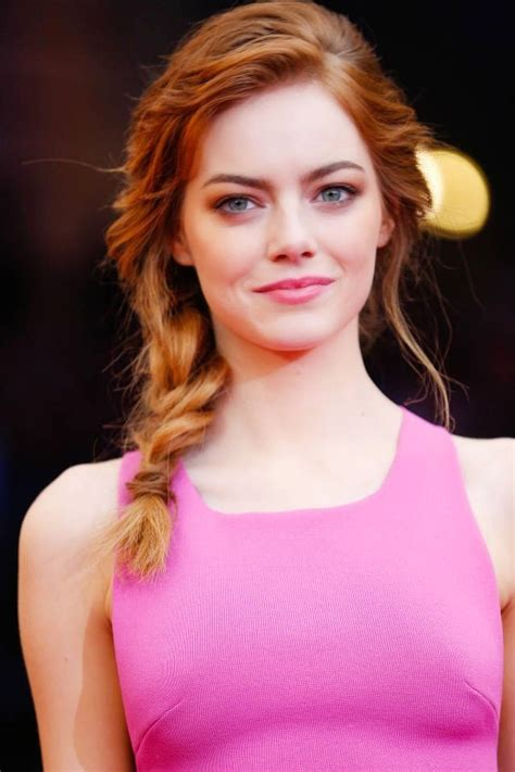 Latest Hottest Sexy Photos and Wallpaper of Emma Stone