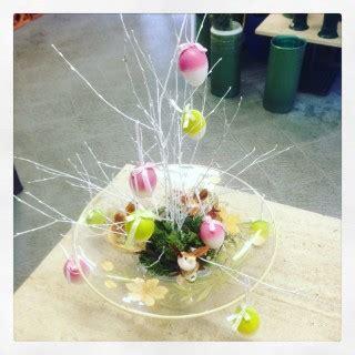 composizioni pasquali con fiori fiori uova e la pasqua