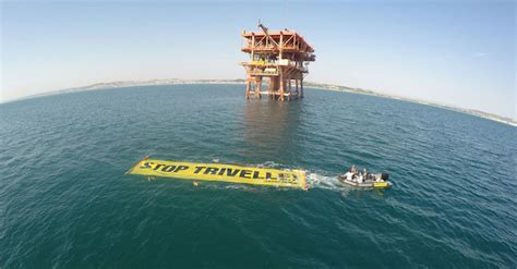 delle marche azioni trivelle adriatico azione di greenpeace nelle marche